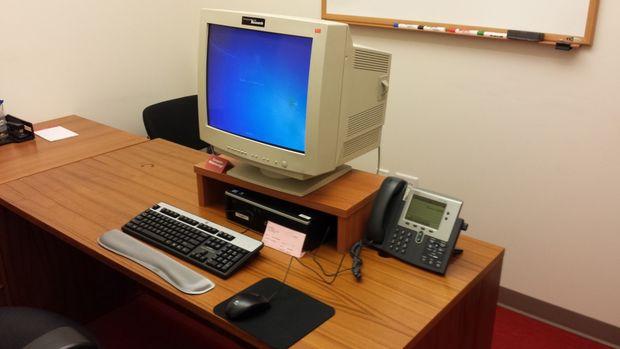 Nhận biết một số loại màn hình máy tính trên thị trường - CRT