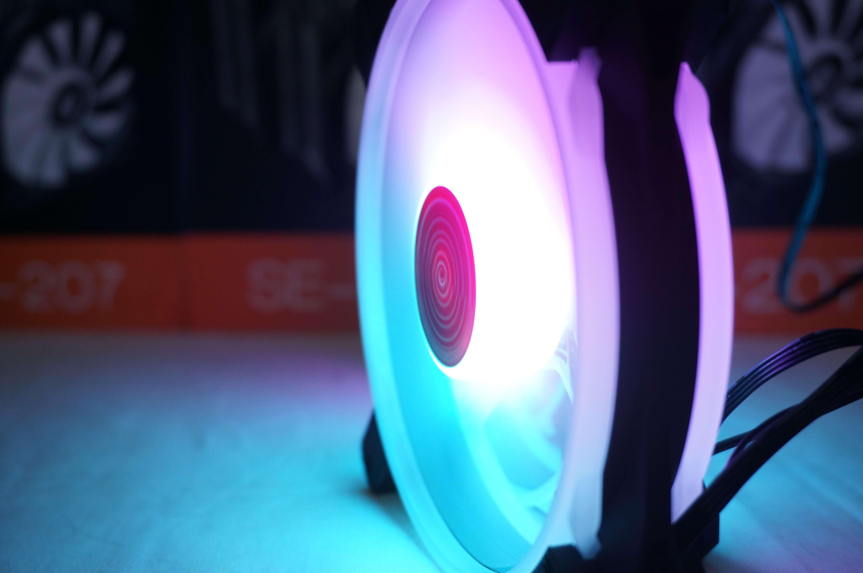 Bộ quạt tản nhiệt RGB COOLMOON V2 ( Kit 3 fan )